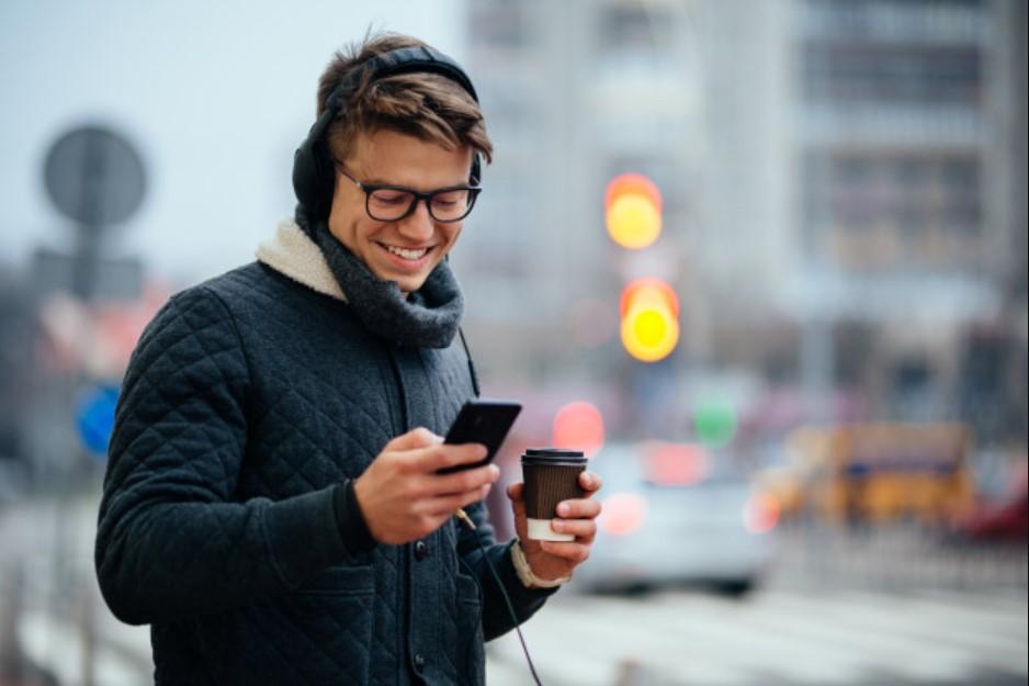 1xBet: Faceți clic pe bani – transmisiuni în direct pe mobil